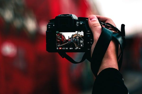 Cum alegi fotograful potrivit evenimentului tău?